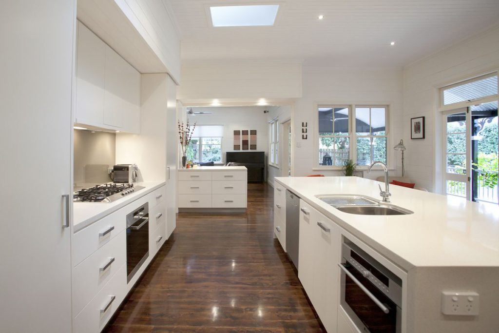 Open Plan White Modern Kitchen Cupboard Units With Drawers And Caesarstone