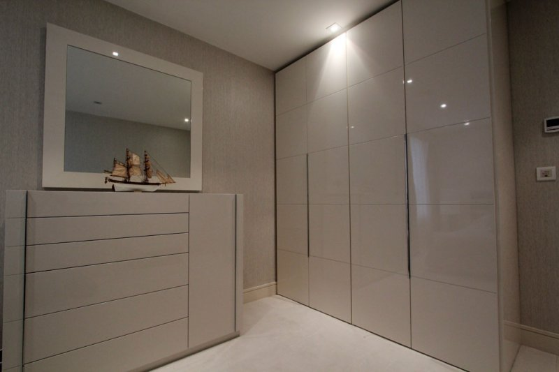 How to install sliding mirror closet doors sliding for Kitchen doors cape town