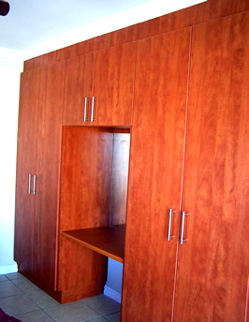 Diy built in bedroom cupboards cape town for Affordable kitchens cape town